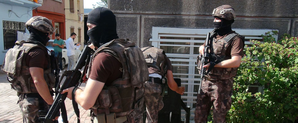 İstanbul'da operasyon: 12 gözaltı